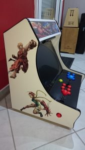 homemade street fighter 2 themed bartop : left side